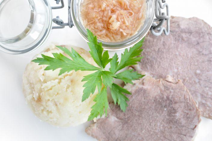 vracko - kulinarika - glavna jed - hauptgericht - main dish - govedina, pražen krompir - rindfleisch, röstkartoffeln - beef, roasted potatoes - 2
